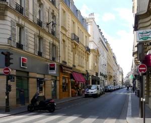 Rue de la Bellechasse vue de la rue Saint-Dominique